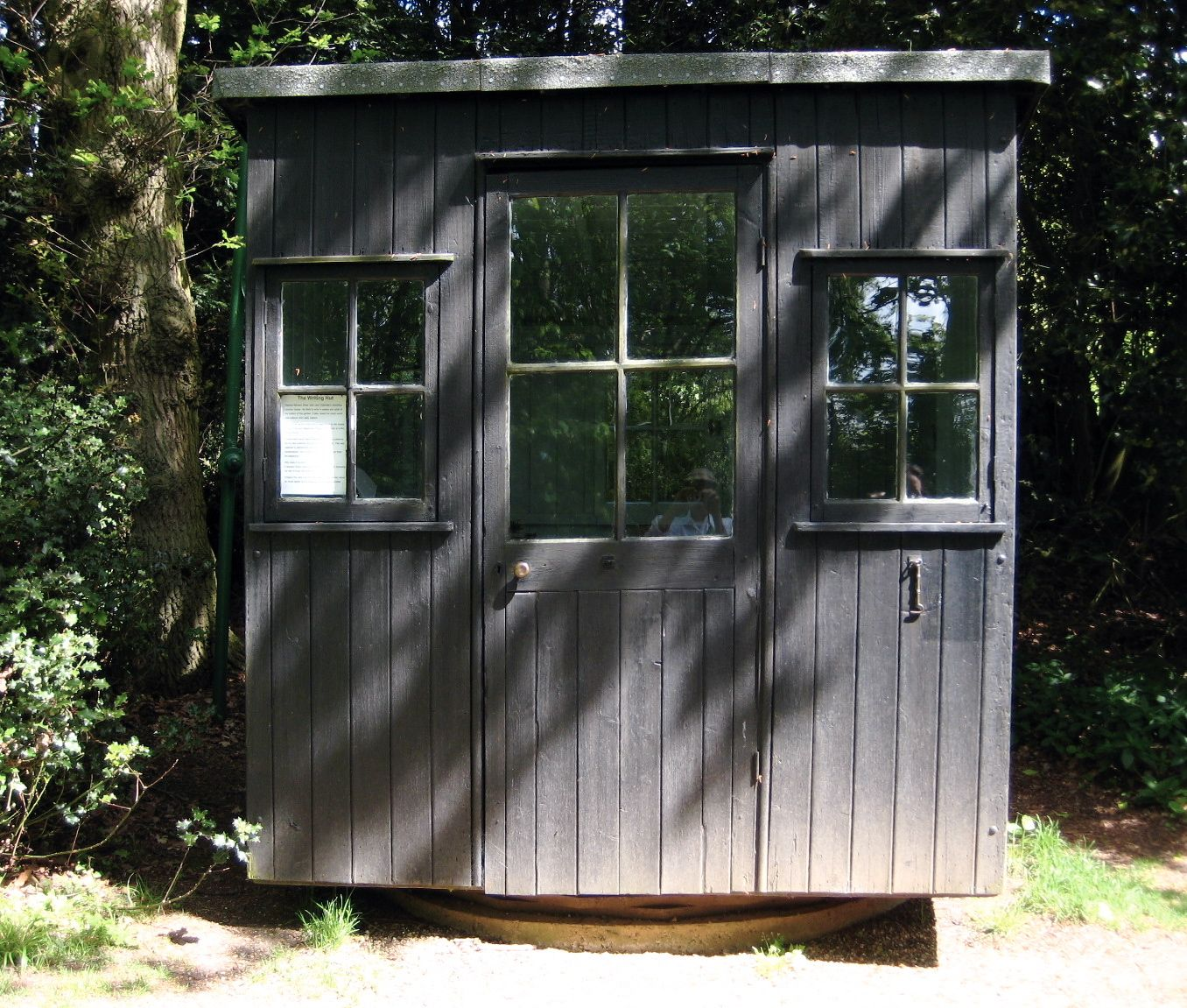 George Bernard Shaw's rotating writing hut